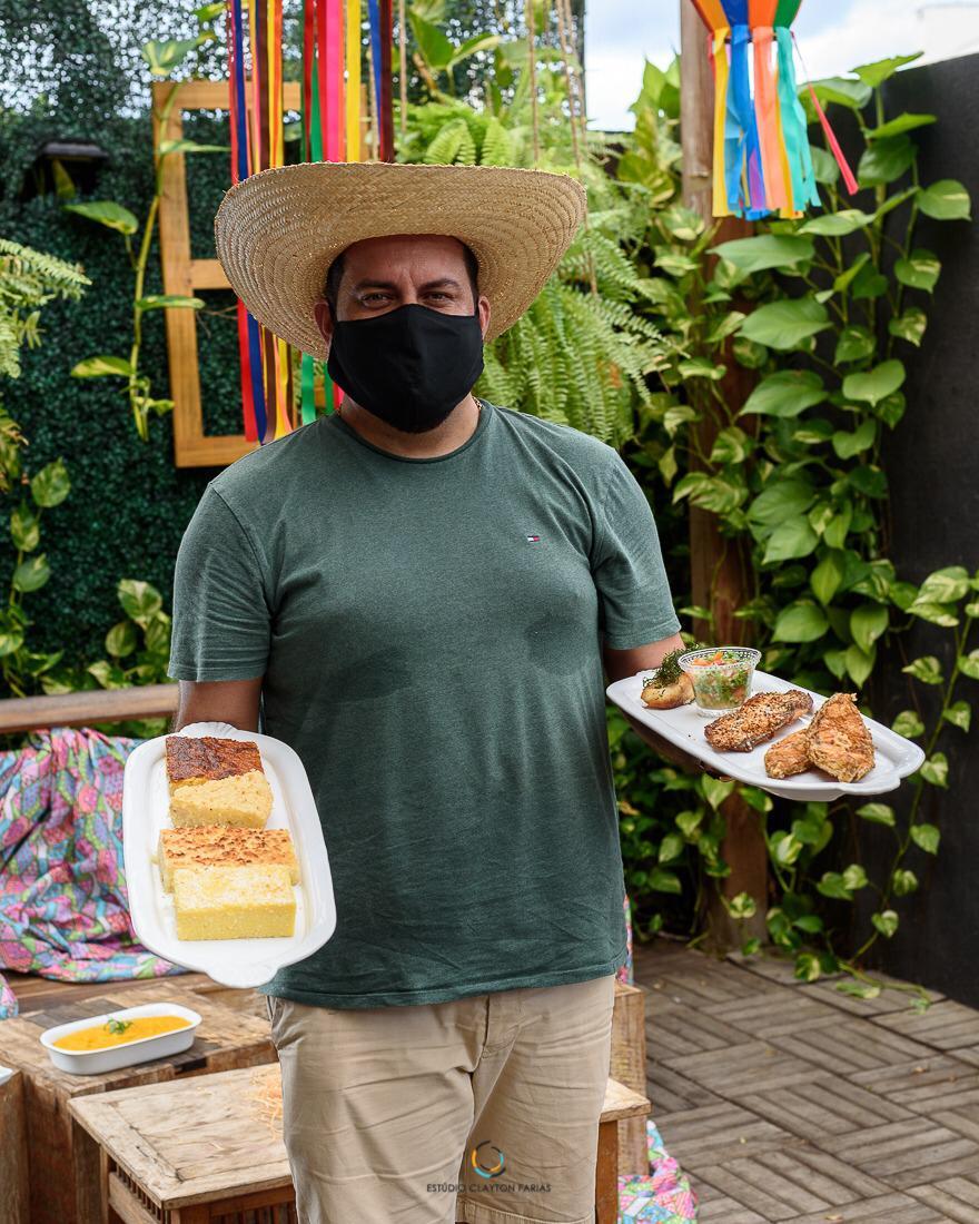 """Werther Bandeira, da Villa do Vinho Bistrô e o Box Junino """"Sonho de Catirina"""" com um mix do melhor da culinária maranhense."""