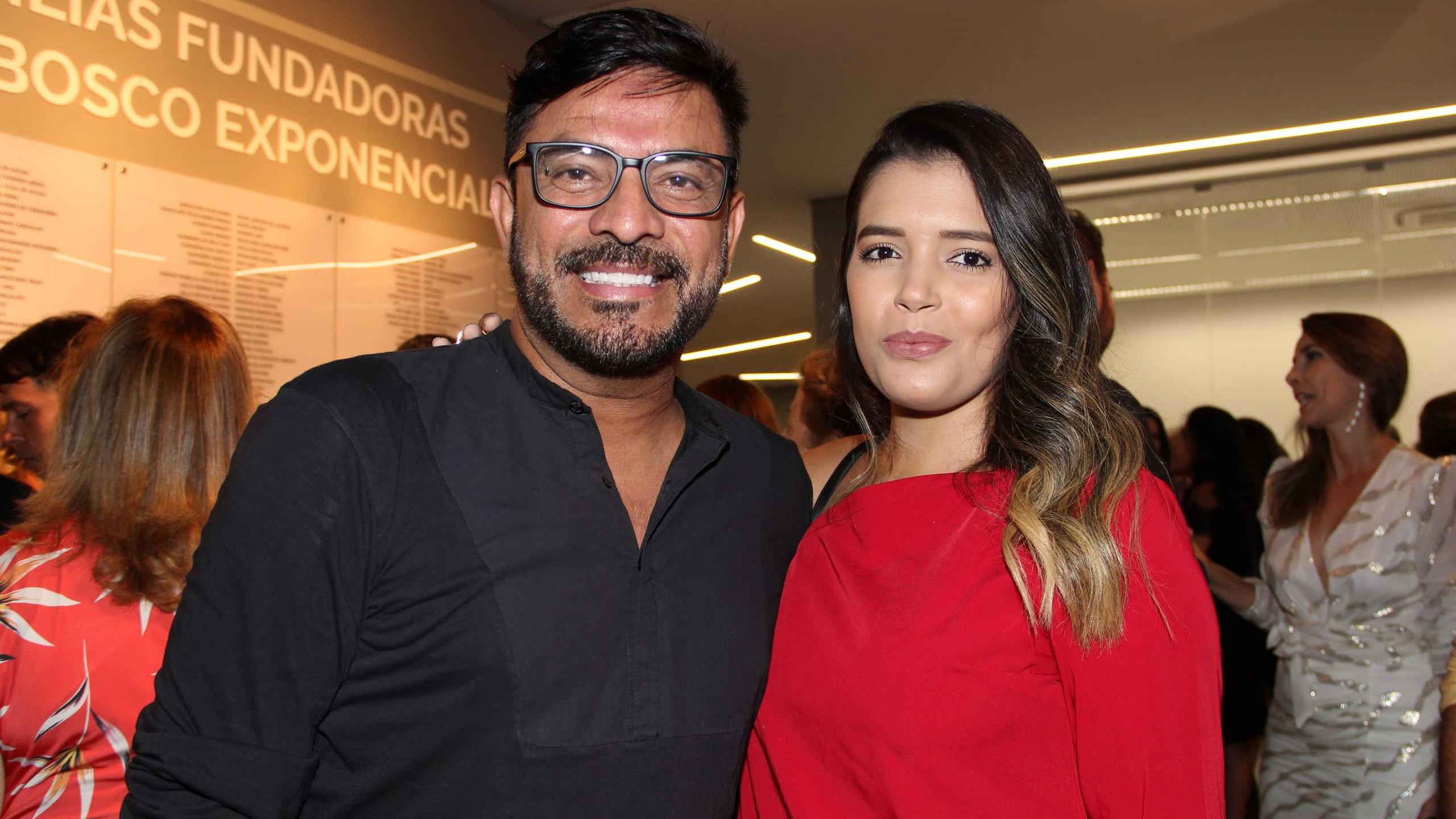 Pepê Jr. com a namorada Ana Raísa Moura.