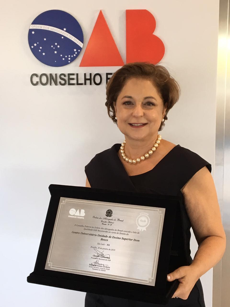 A Reitora da UNDB Centro Universitário Profa. Dra. Ceres Murad comemora os excelentes resultados do Curso de Direito, que se mantém no 1º lugar em aprovações na OAB-MA entre as instituições privadas de ensino.