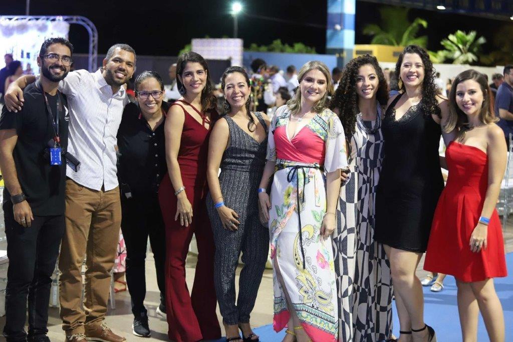 A Equipe de Comunicação e Marketing da Equatorial MA com os parceiros Vanessa Araújo e Danilo Fernandes.