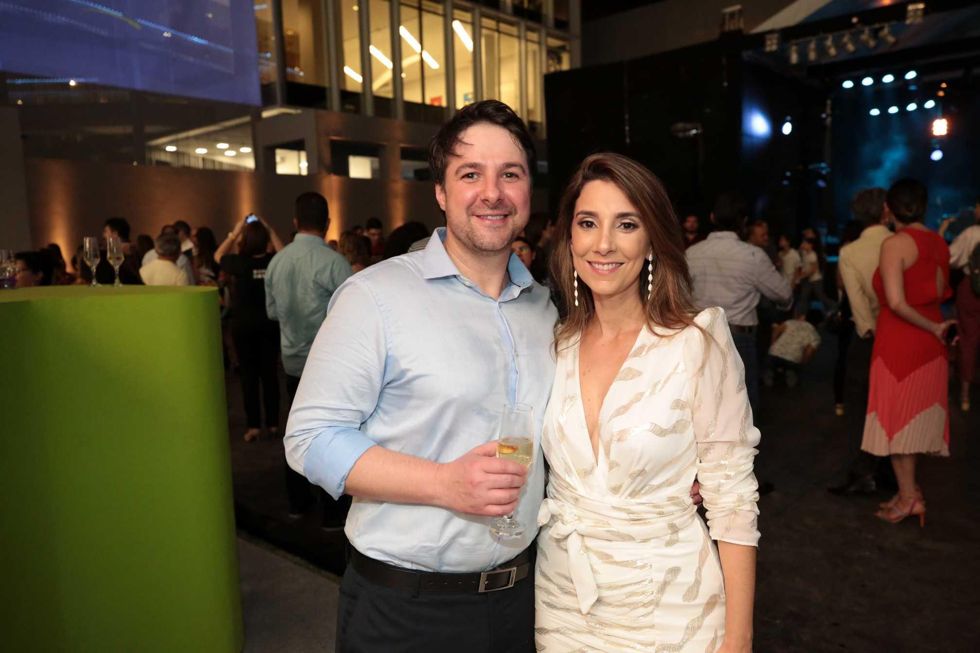Fabiano Canton e Rebeca Murad.