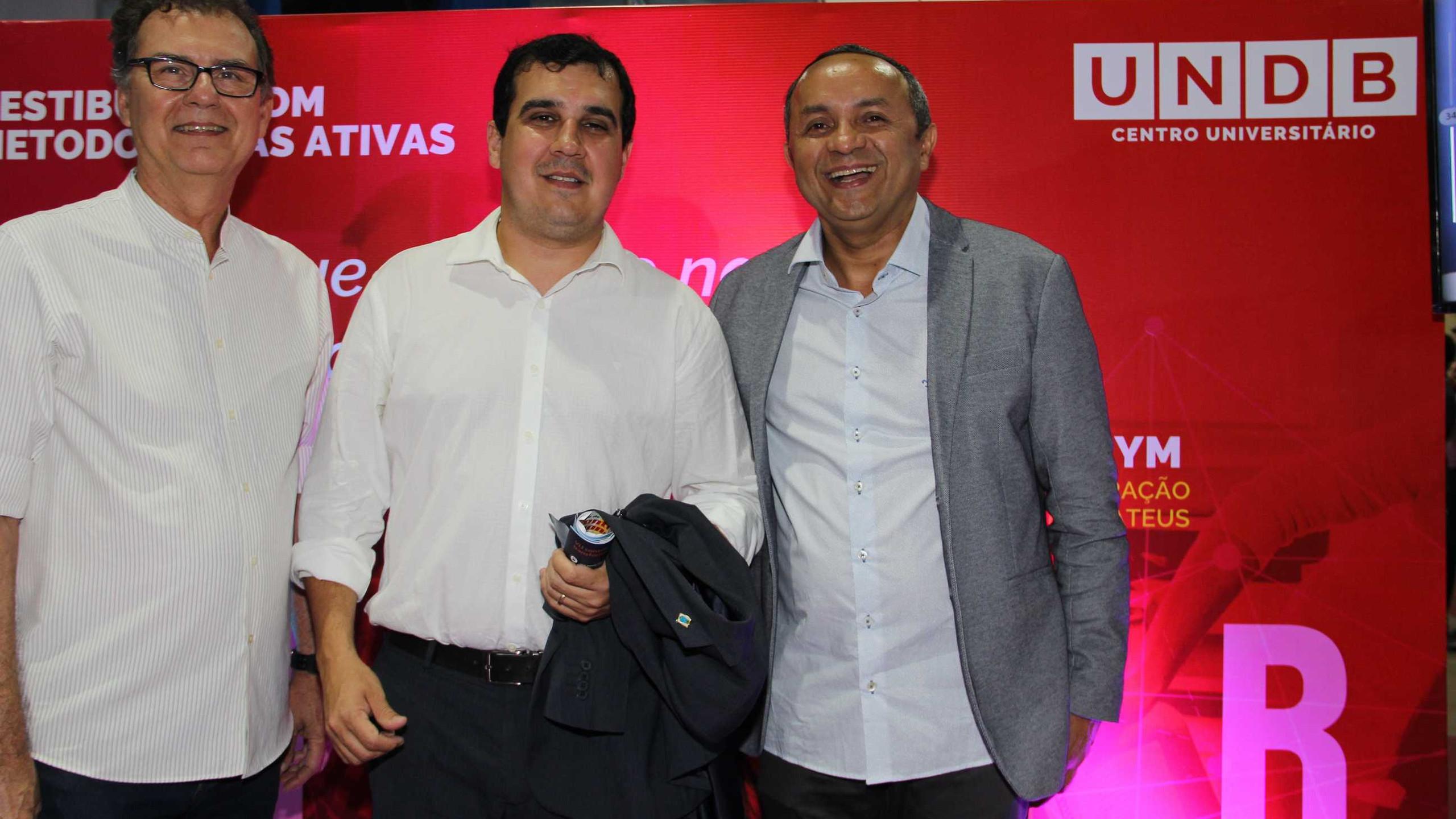 Ricardo Furtado, Mádison Leonardo (Sec Mun de Urbanismo) e Marlon Botão (Sec Mun Cultura).