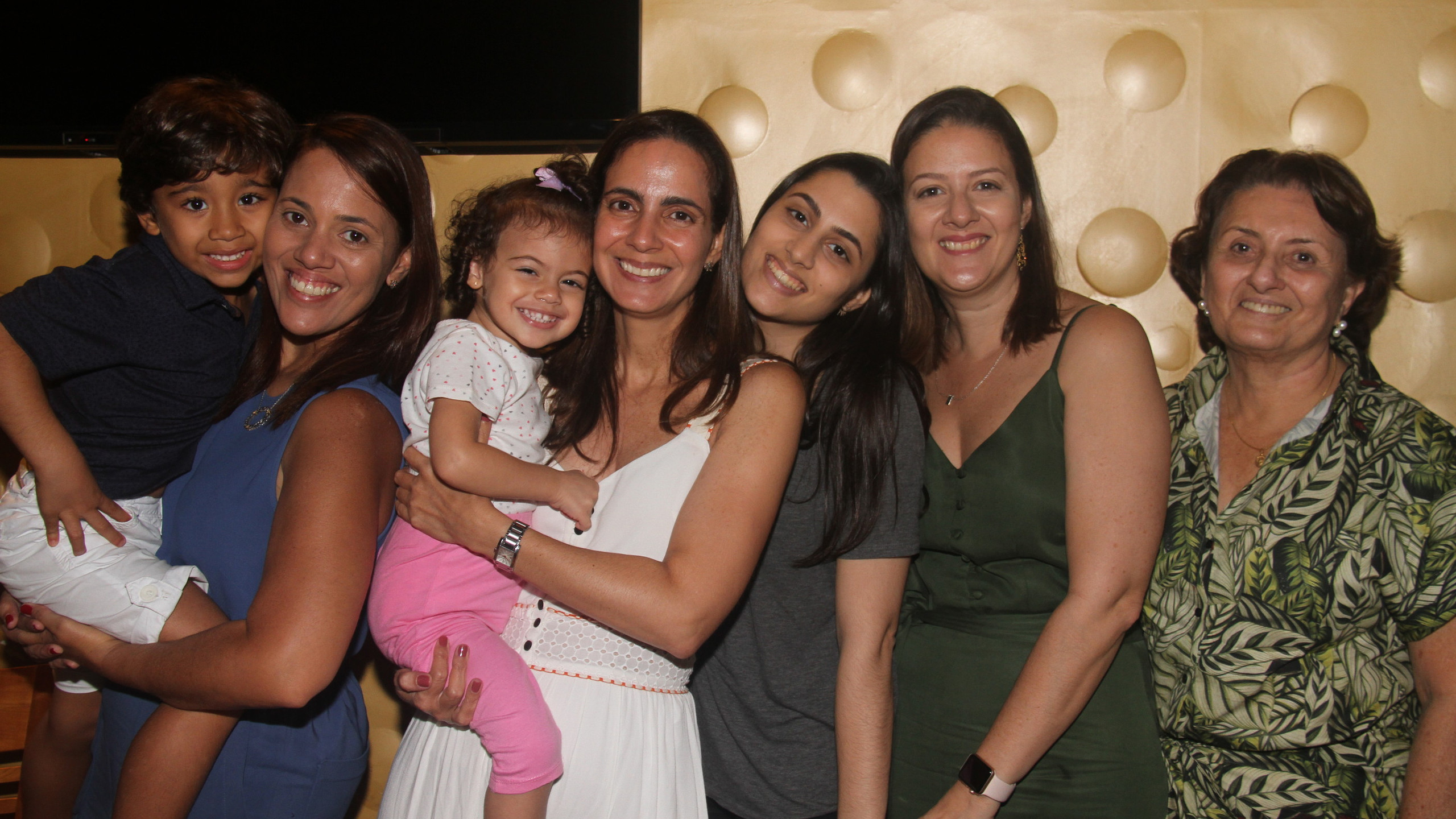 Pedro e Fernanda, Lycia e Helena, Sofia, Graziella e Denise Vieira.