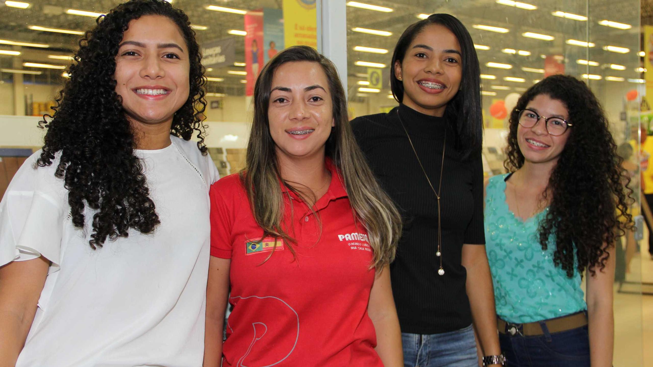 Áurea Thaís, Raiane Ribeiro, Jéssica Ribeiro e Elizabeth Melo.
