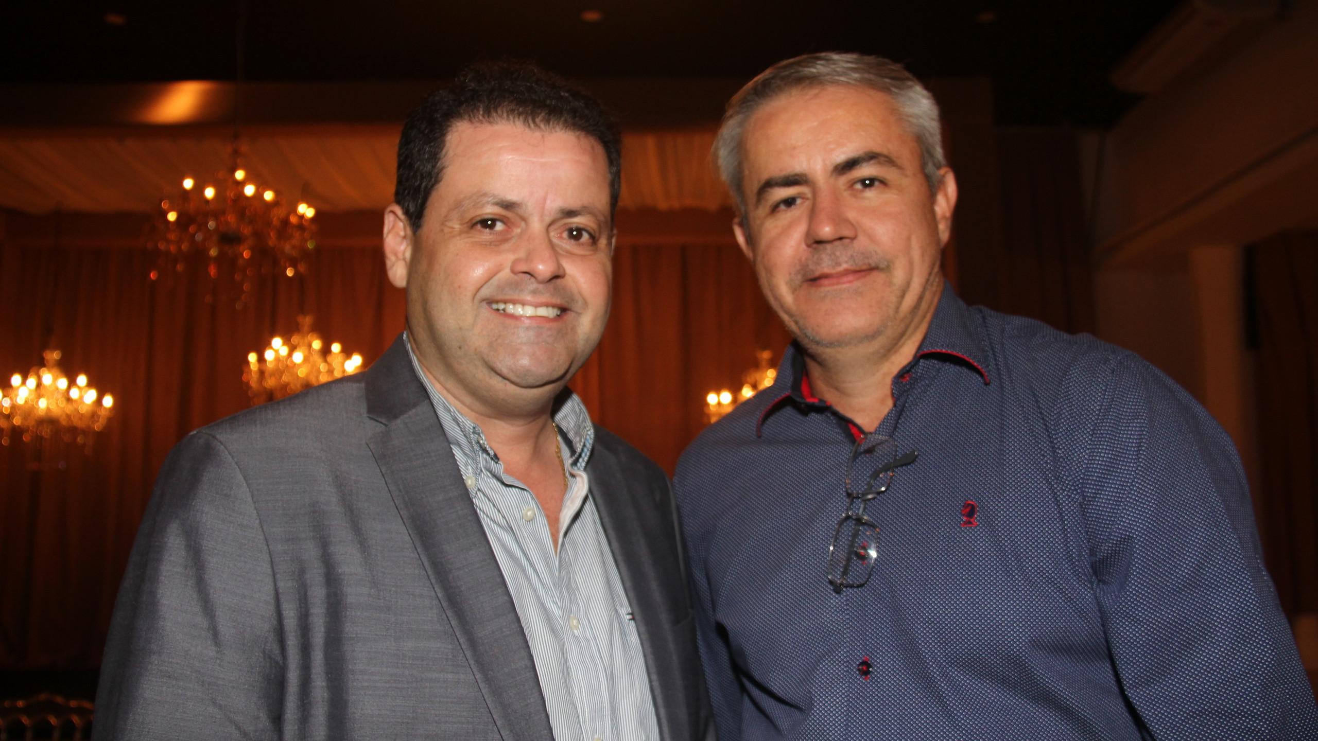 O Dir. da CDL SLZ Daniel Albuquerque com o empresário José Américo Ramos.