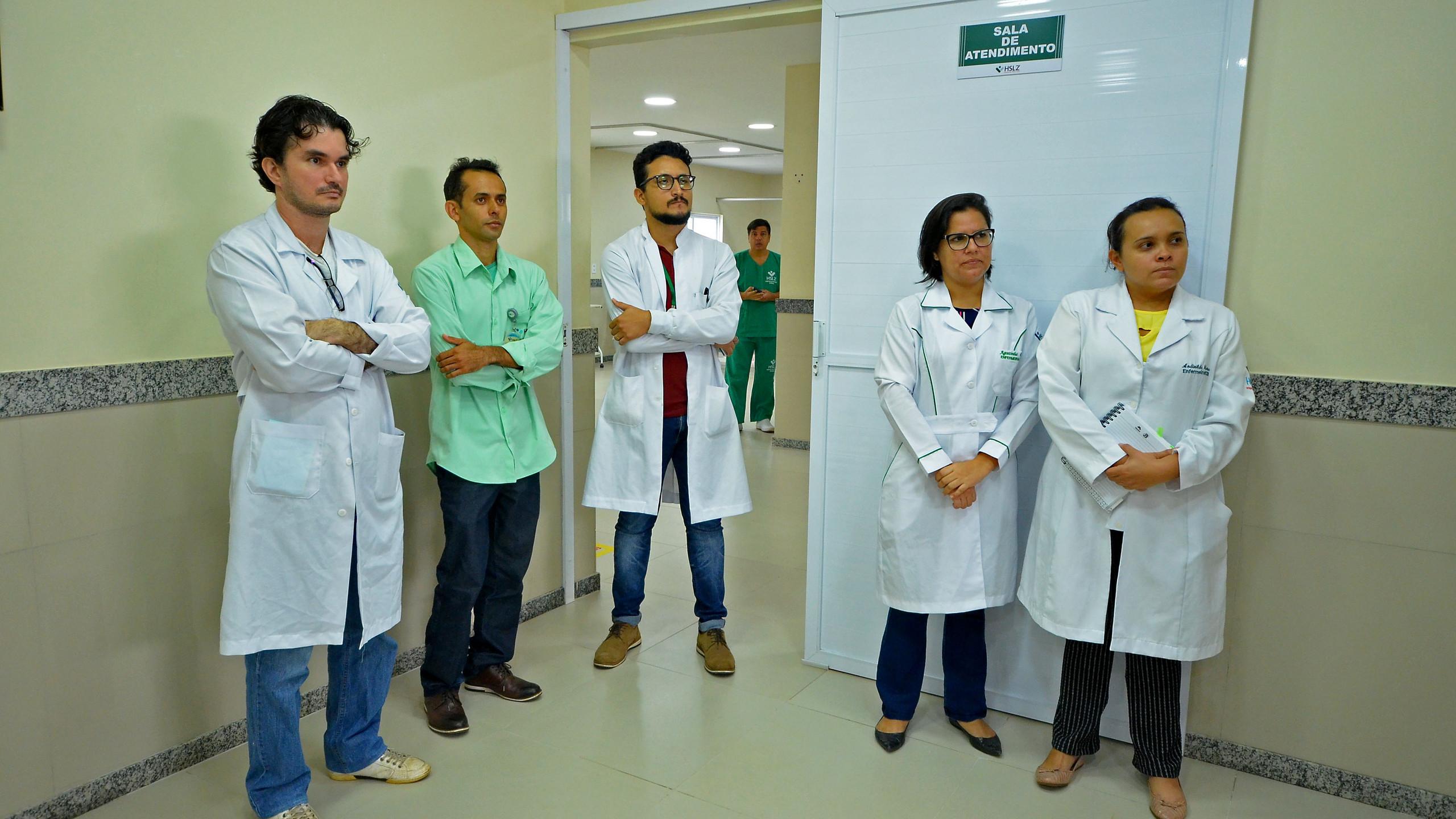 Novas contratações de profissionais multidisciplinares foram feitas pelo HSLZ para ampliar o atendimento de pacientes, isolando casos de Covid-19 dos demais casos.