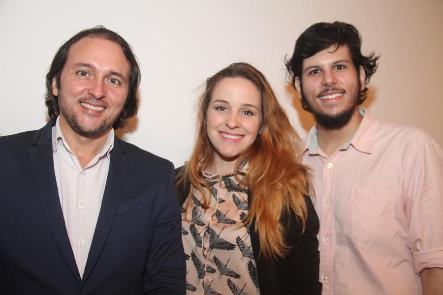 Goés Jr. com a esposa Vanessa e o filho Góes Neto.