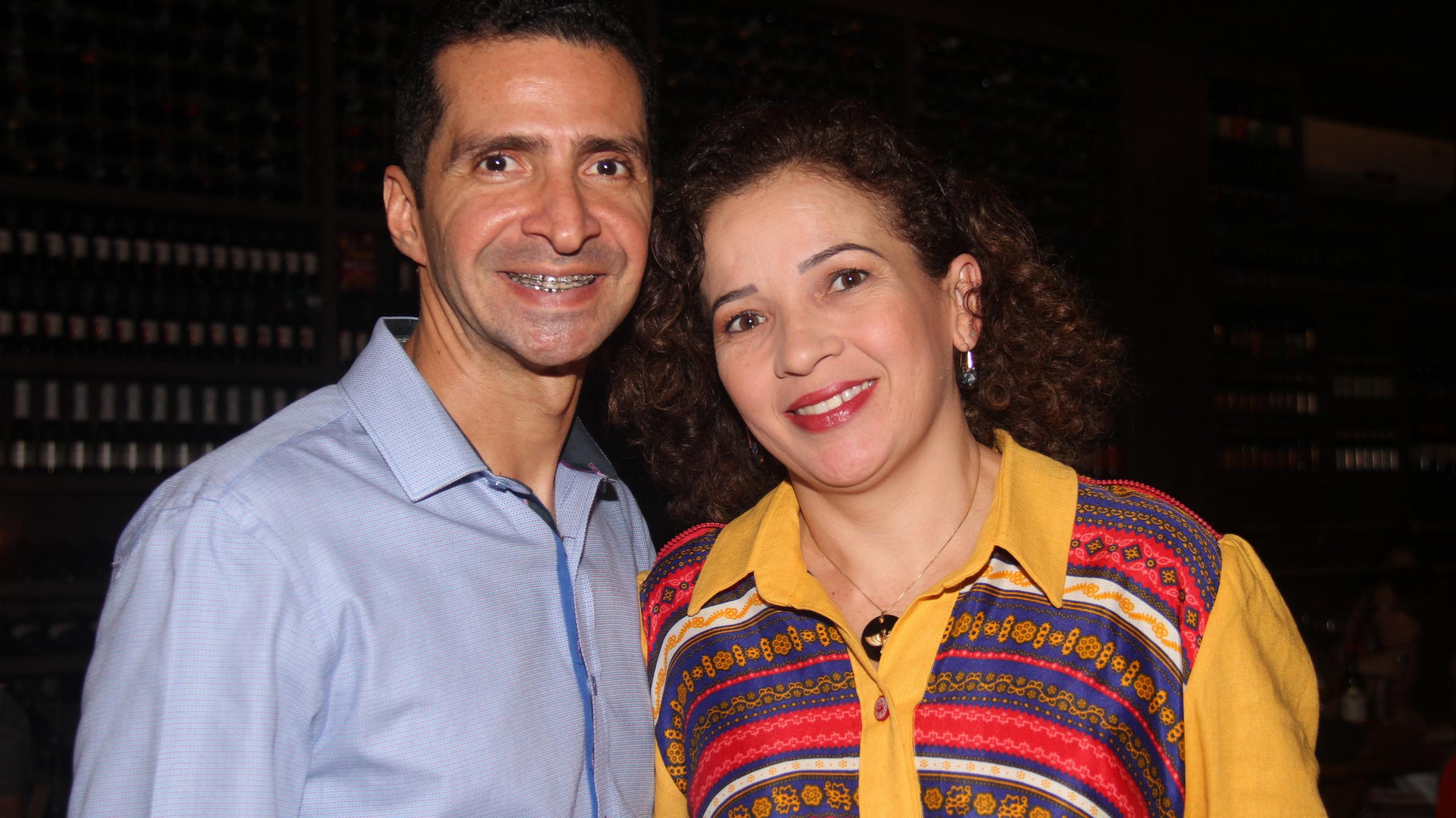 Mônica e Glaydson Lima.
