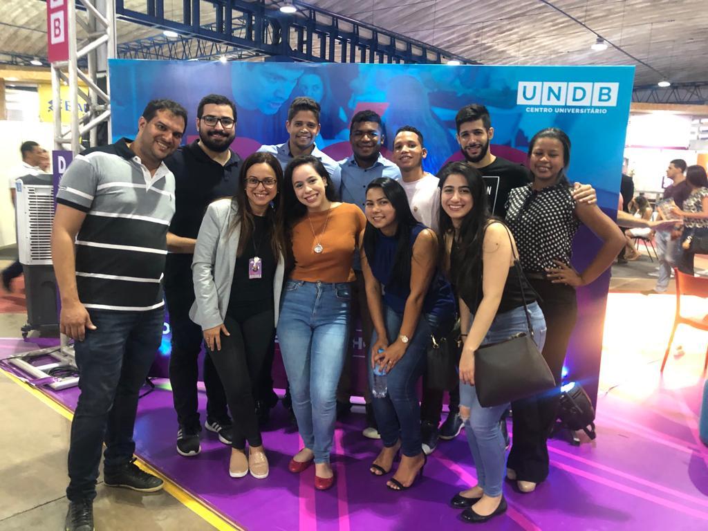 Alunos da UNDB marcaram presença no stand da Expo Indústria 2019.