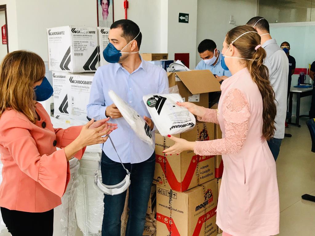 A Equatorial MA entregou 750 unidades de macacões impermeáveis, 300 unidades de protetores faciais, máscaras n95, luvas e outros materiais Hospital Macrorregional Drª Ruth Noleto em Imperatriz – MA.