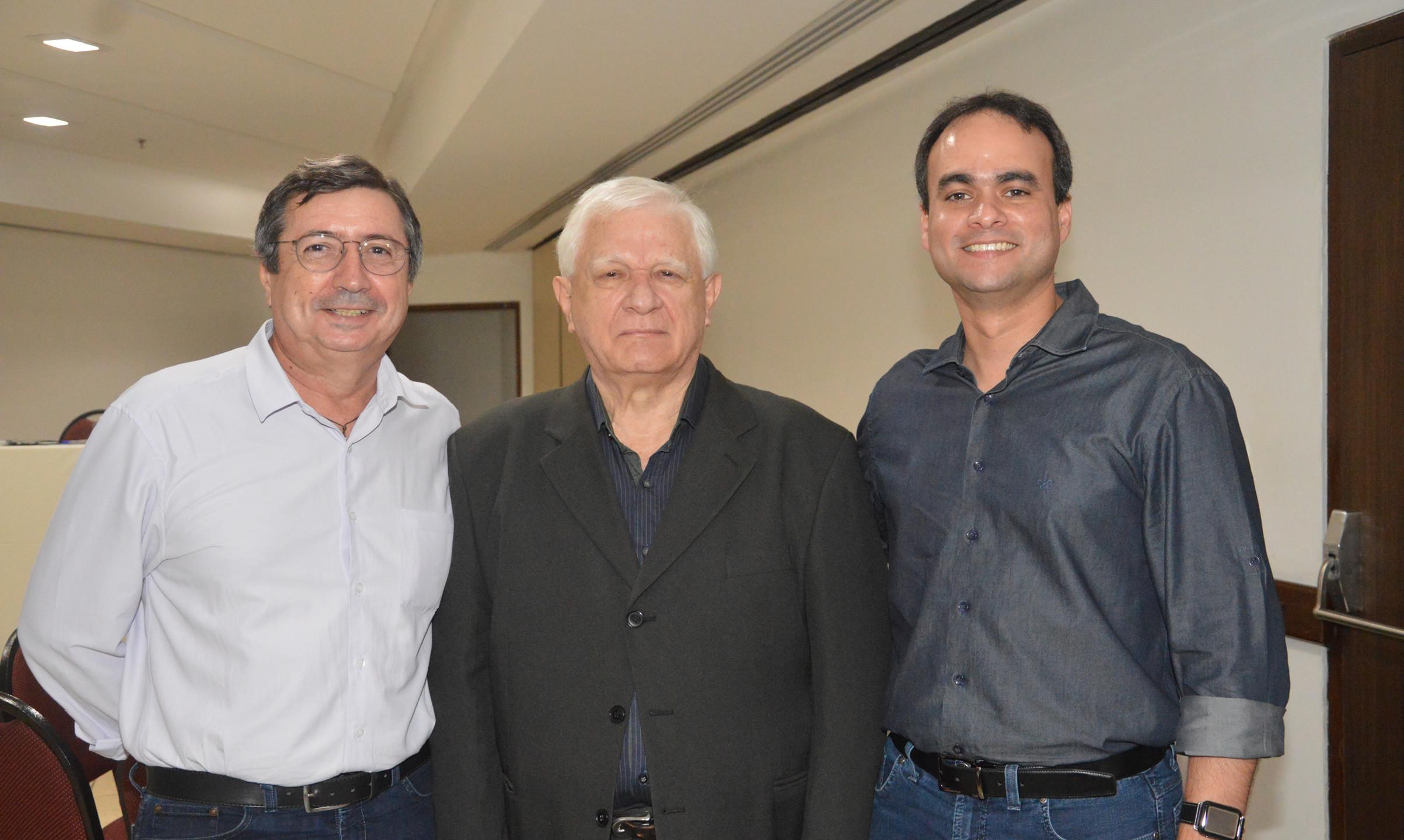 O vice presidente José Lopes com os diretores José Terceiro e Abner Noronha
