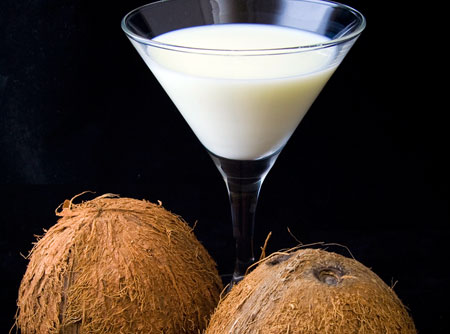O tradicional drink Leite de onça é companhia garantida dos foliões juninos