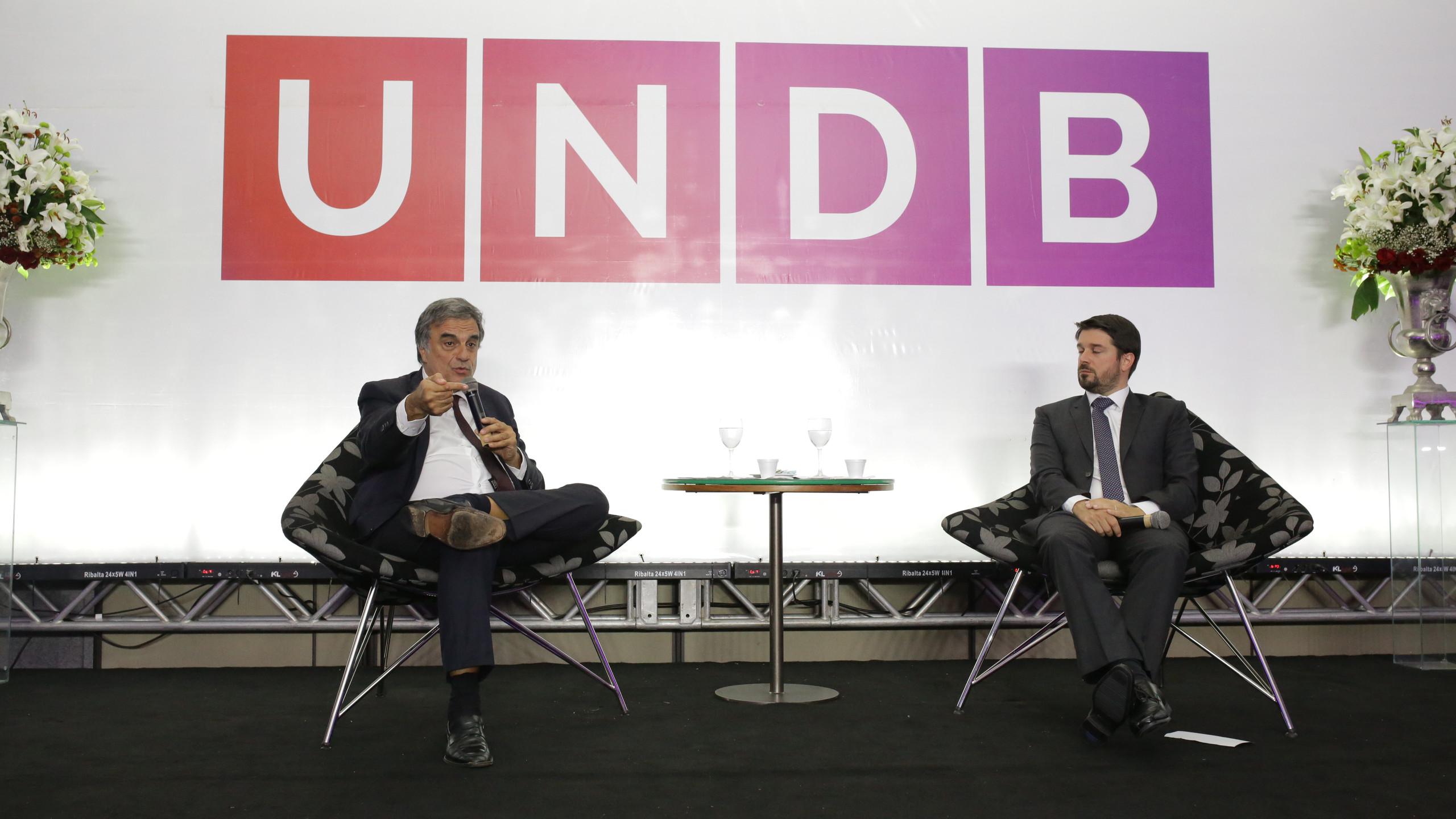 O Ex- Ministro da Justiça José Eduardo Cardozo com o palestrante e criminologista Maurício Dieter.