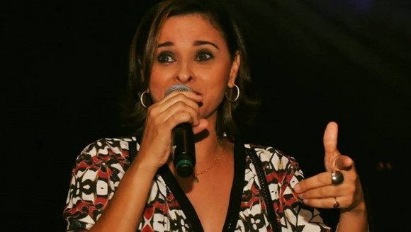 Ana Neri no projeto Música na Praça do Shopping da Ilha nesta sexta-feira