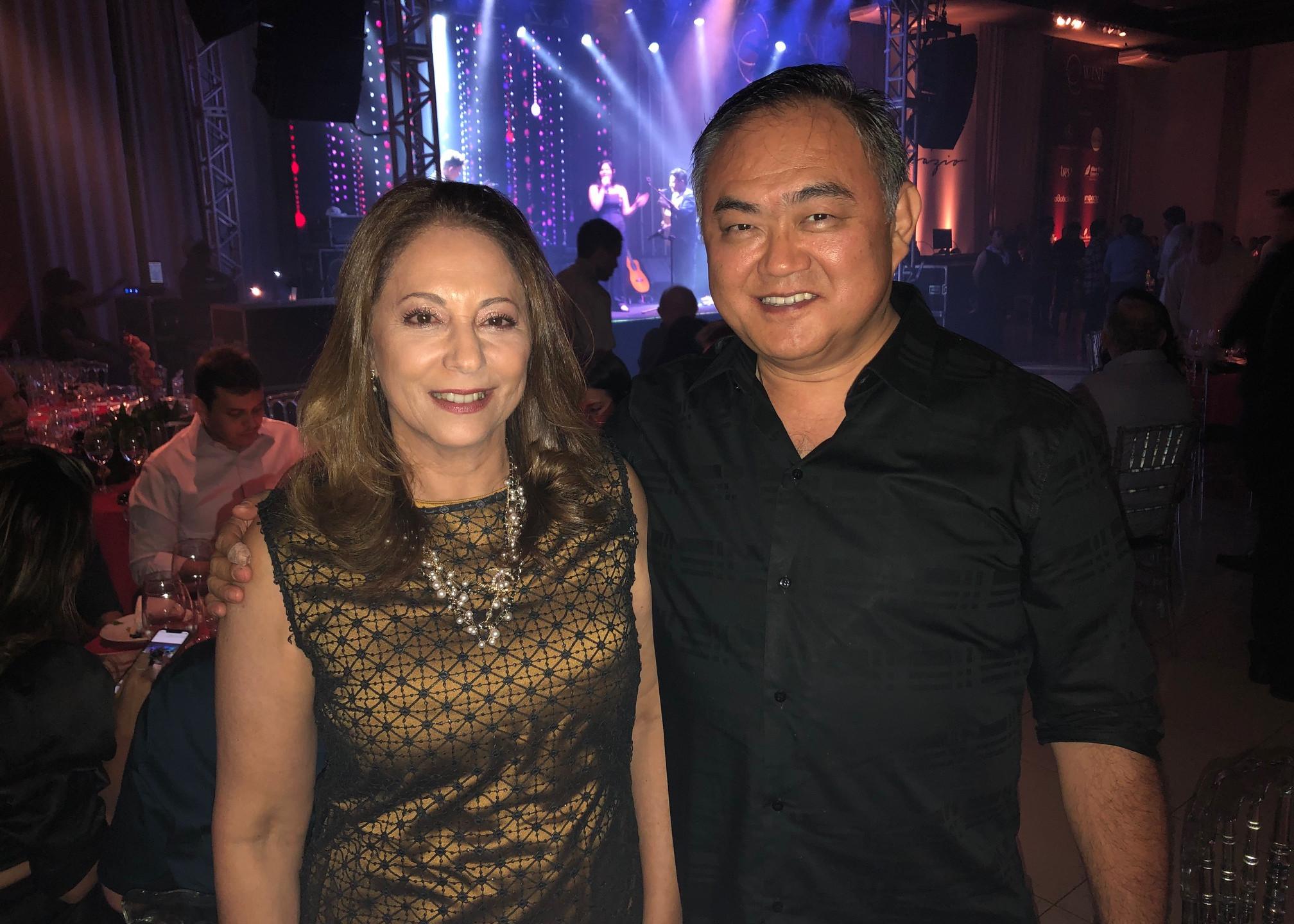 Elizabeth Rodrigues e Oscar Yamakaw