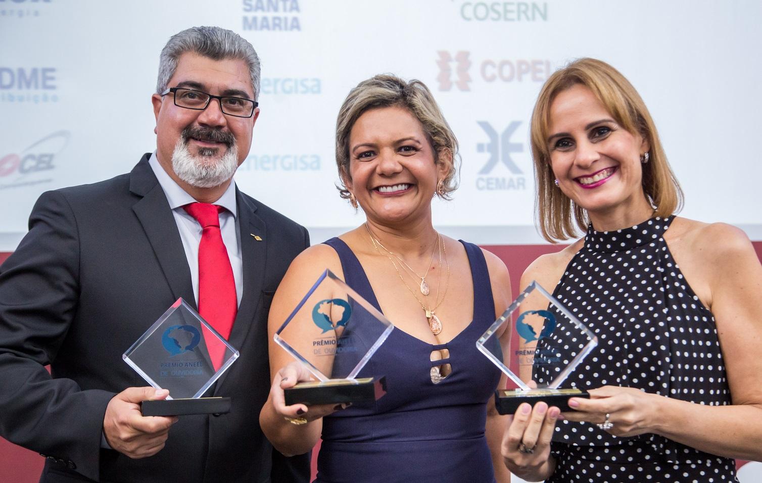 Jorge Valente,  Coordenador Substituto de Canais de Relacionamento da ANEEL e Márcia Lins, Executiva de Ouvidoria da Cemar.