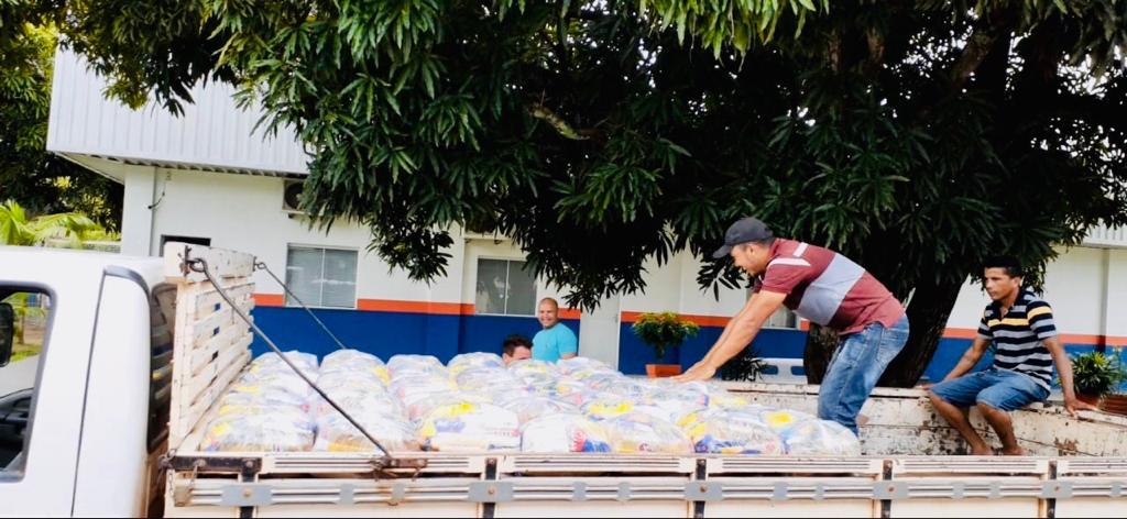 500 cestas básicas para o município de Pedreiras