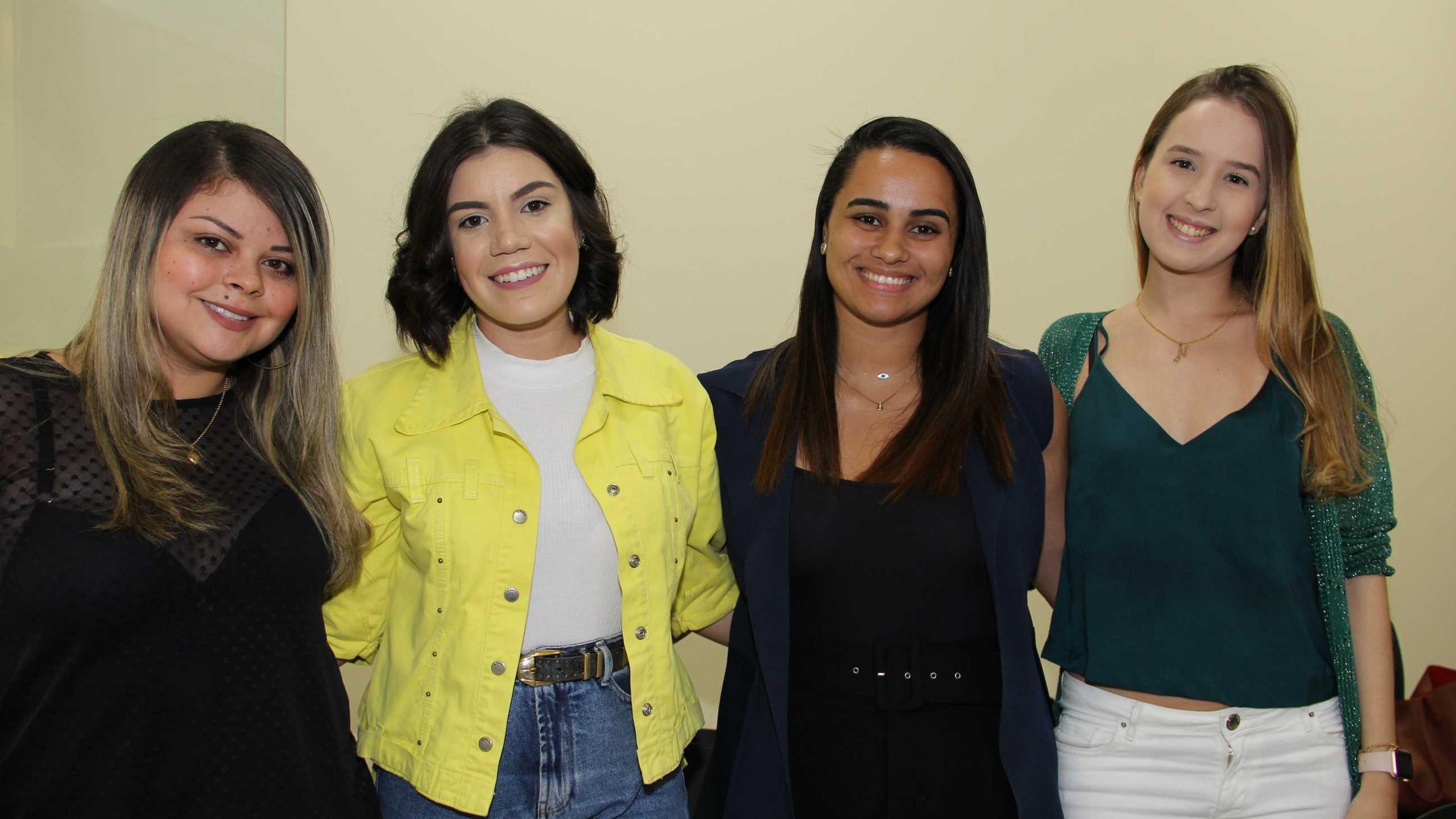 Thayna Ramos, Bruna Alcoforado, Lara Rosa e Natália Bastos.