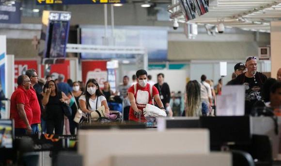 Procon/MA determina que Latam divulgue mudanças sobre máscaras permitidas e não permitidas em voos