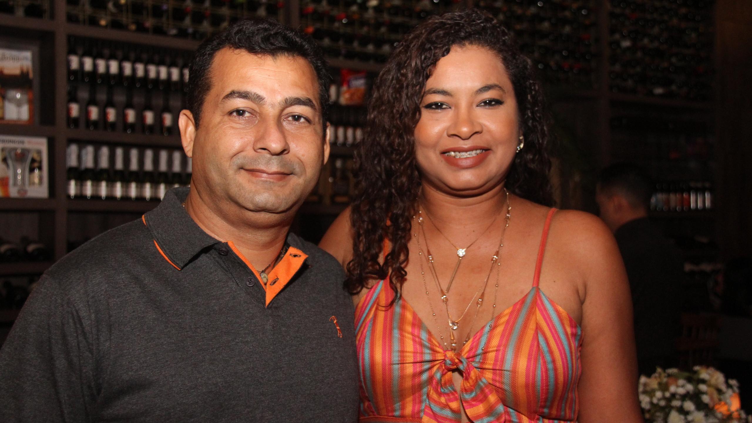 Almir e Francisca Sousa.