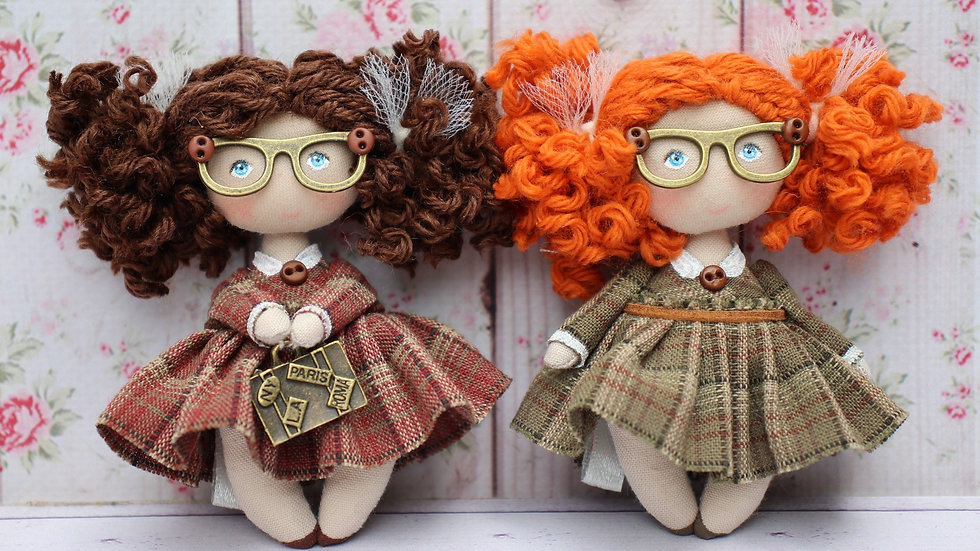 Little curly dolls with glasses