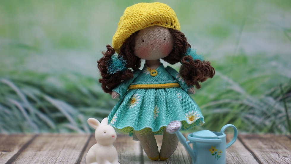 Decorative Textile Doll for dollhouse Miniature Collection 1:12 Scale Cute gift Brunette