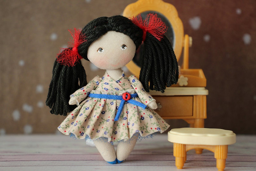 rag-doll-mini-doll-miniature-fabric-doll-collectible-doll-mom-grandma-present