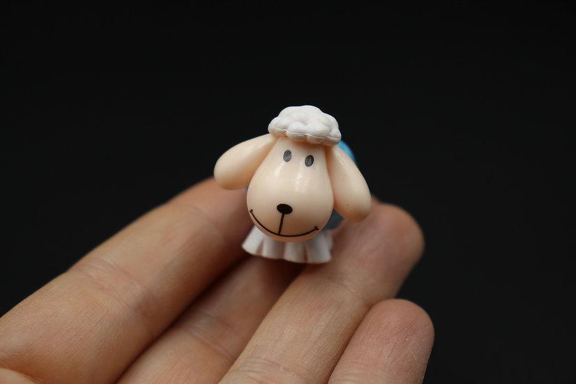Miniature resin sheep for dollhouse,  cartoon sheep terrarium, doll accessories