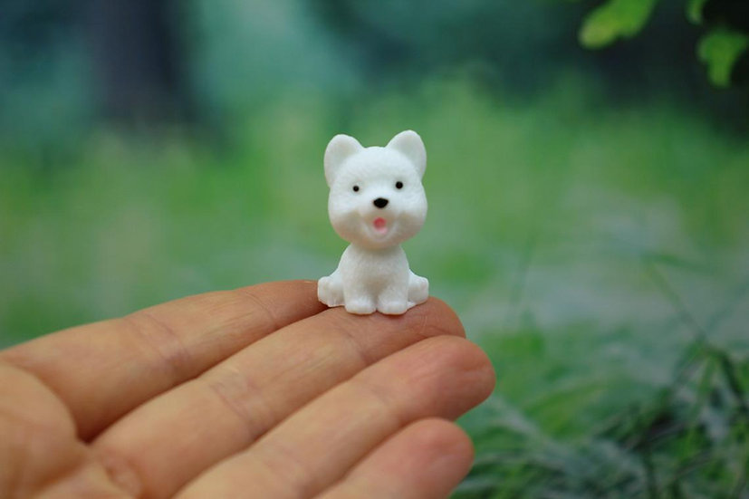 Small sitting dog figures Miniature resin dog for dollhouse 1/12th Collection