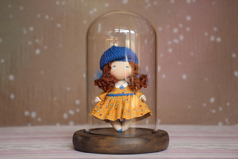 Glass Bell jar display for miniature dolls 1/12 scale, steady and adjustable