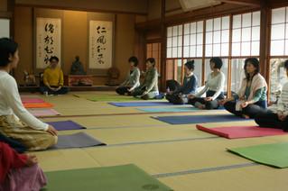 マインドフルネス瞑想リトリート in 宮島+プロセスワークが導く対話 松村憲