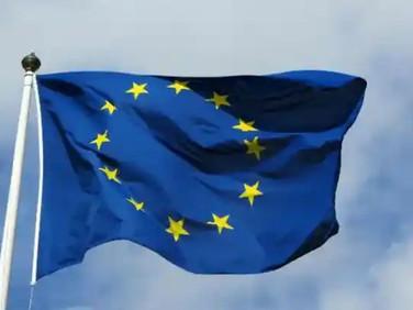 Coronavirus: EU urged to adopt 'vaccine passports'