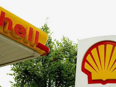 Nigerian court freezes Shell accounts in dispute over oil deal