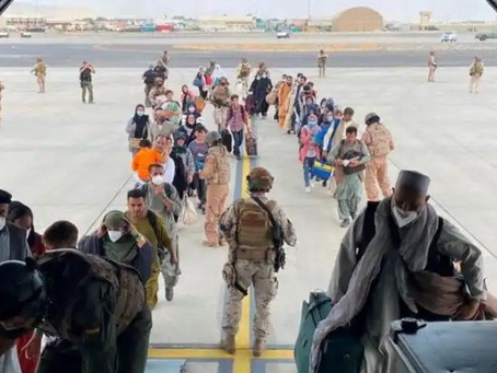 Afghanistan: Hundreds left behind as UK ending Kabul evacuation.