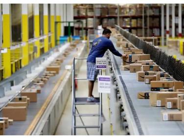 U.S., European suppliers scramble to secure Christmas goods as cargo delays worsen