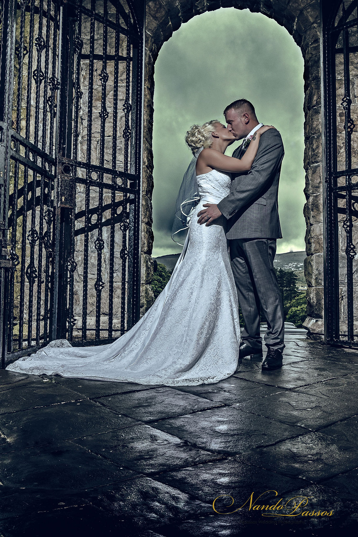 WEDDING BRIDE AND GROOM PHOTO