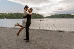 Bröllop, Bröllopsfotograf Stockholm, Förlovning, Förlovningsdans, Brud, Brudgum, Brudpar, Dans, lyft