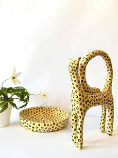 """Kattskulptur och skål """"Cornelius"""" (finns i shopen)"""