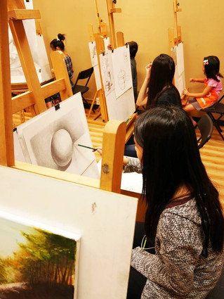 Our Advanced Art students in class~!! 2015 4月,進階素描油畫班學生上課中