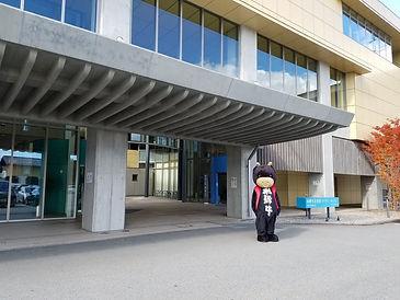 観光スポット_飛騨市図書館01_(c)飛騨市観光協会.jpg