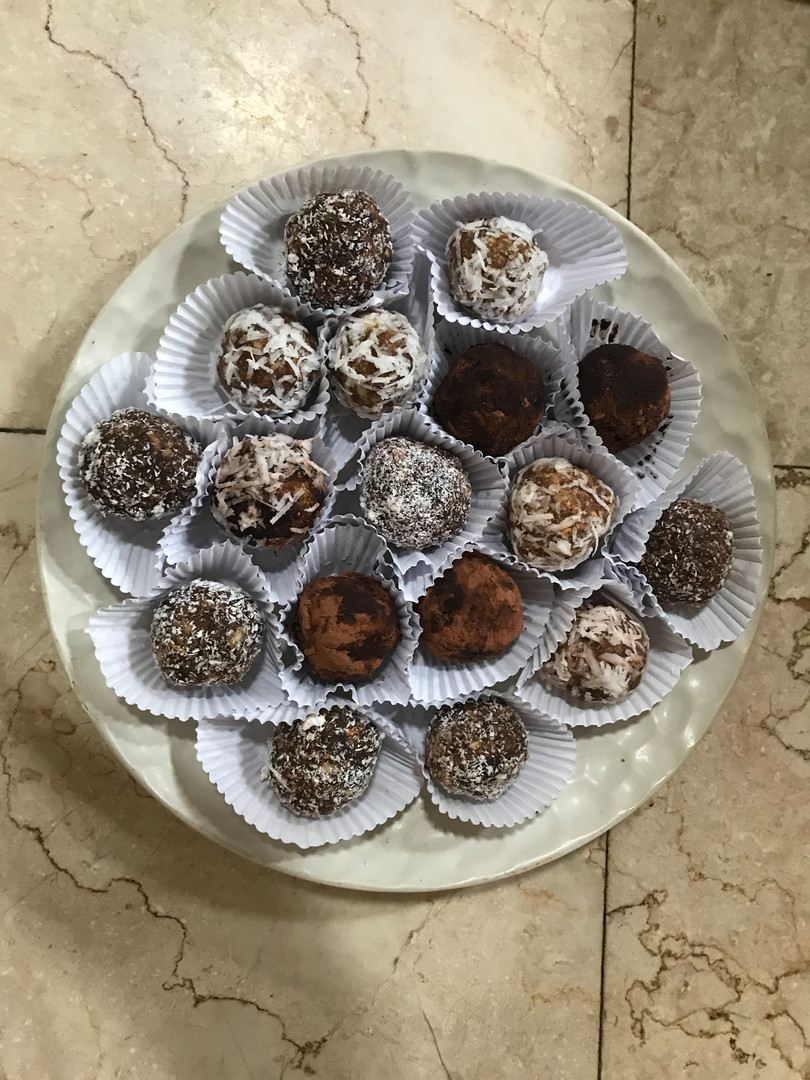 Peanut-chocolate Balls