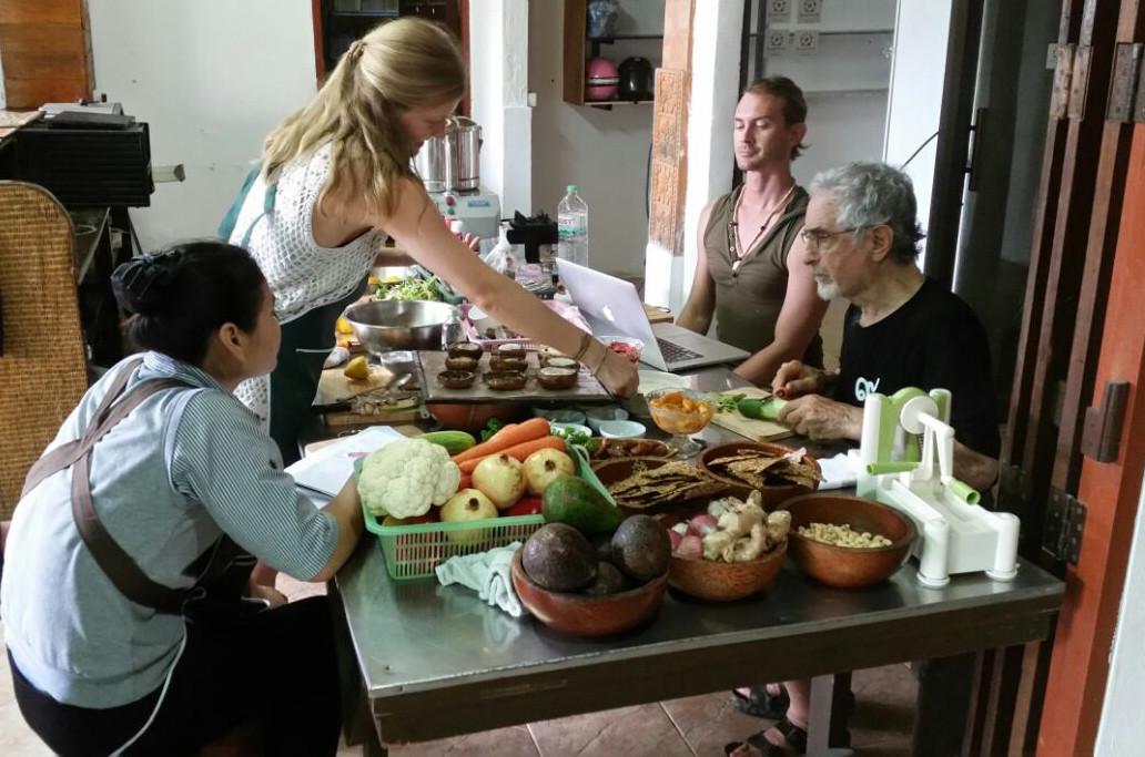 Teaching vegan Raw Food