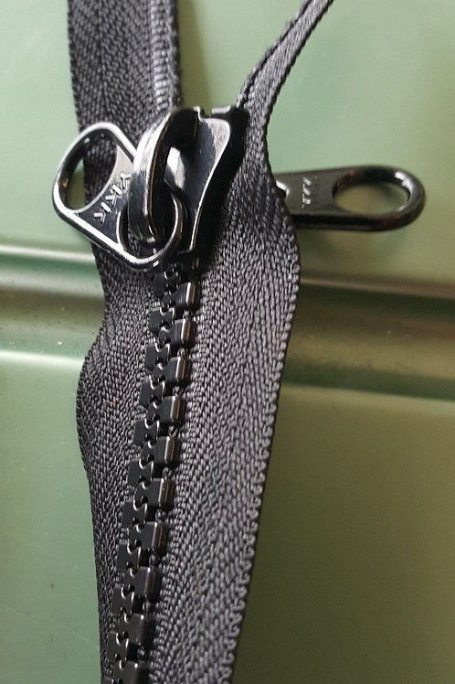 #10 Chunky Zip- Black - Double Tab Slider