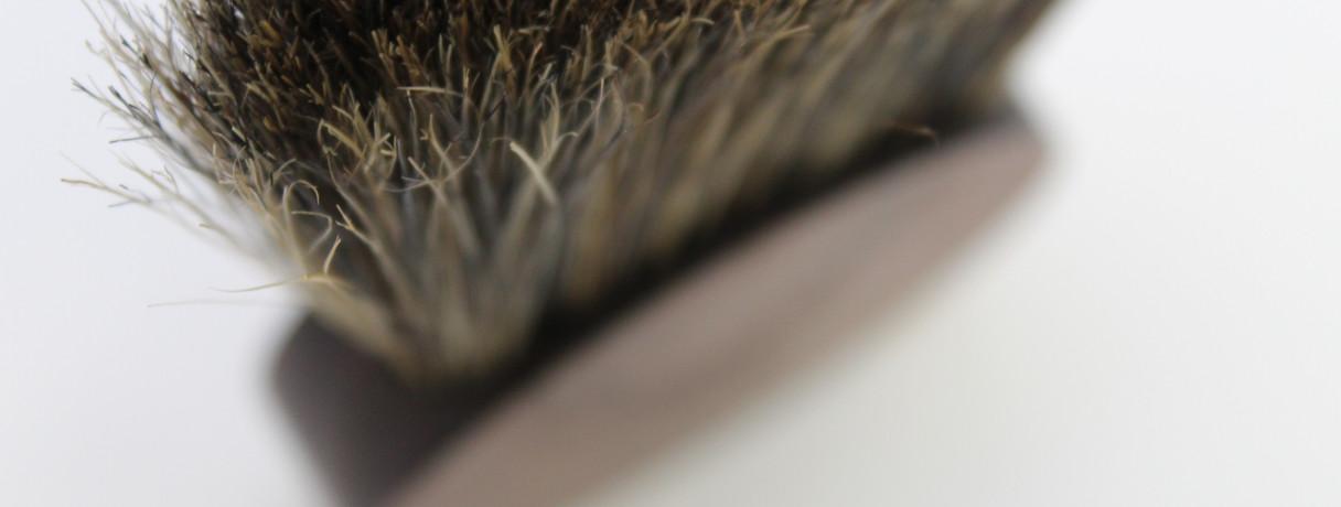 Hine desk brush