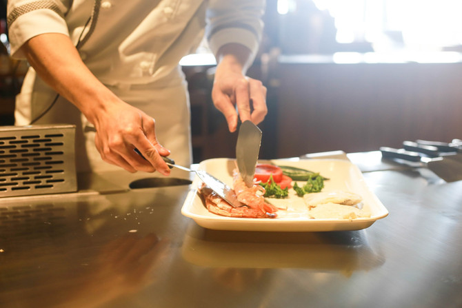 Teaching Kitchens May Outperform Traditional Diets