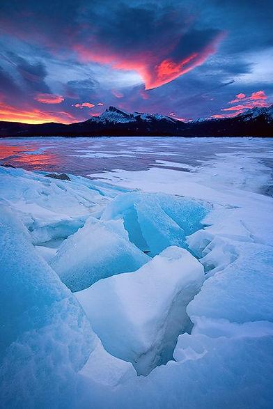 frozen Canadian lake 4.jpg