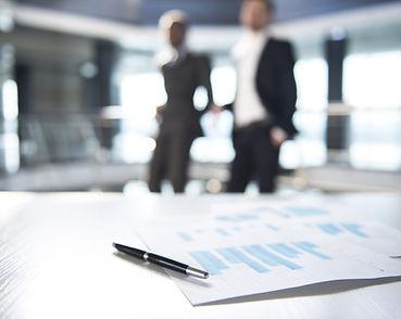 Dokumenter og Uskarpe Forretningsmennene