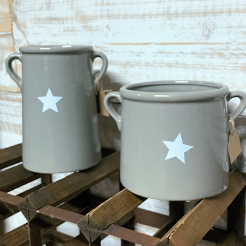 Grey pots with star motif