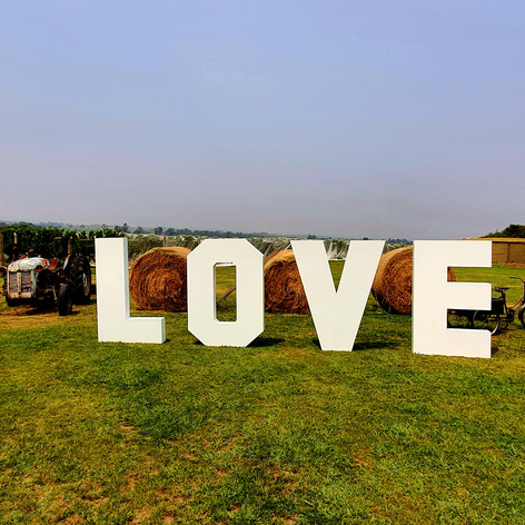 Hire large love letters.jpg