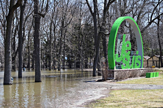 Vaudreuil-Soulanges flood waters should crest by Thursday
